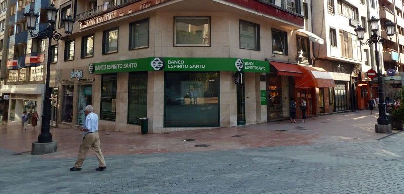 Portugal divide al Banco Espírito Santo y crea el Novo Banco