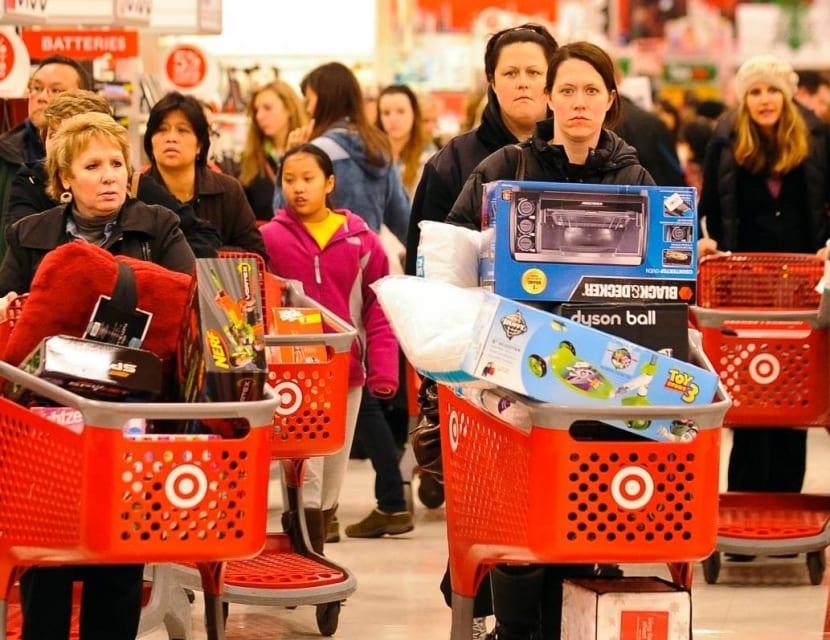 Personas comprando en EEUU