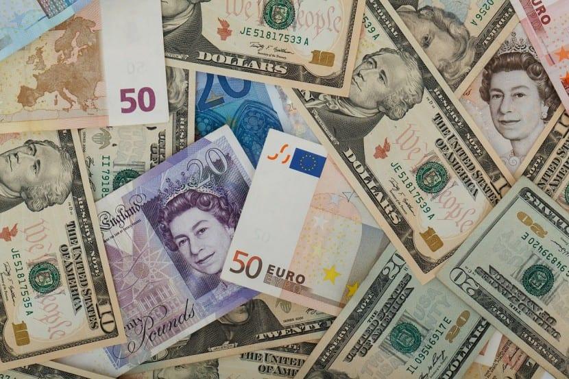 Contratar un depósito en otras divisas puede mejorar su rendimiento, pero también empeorarlo
