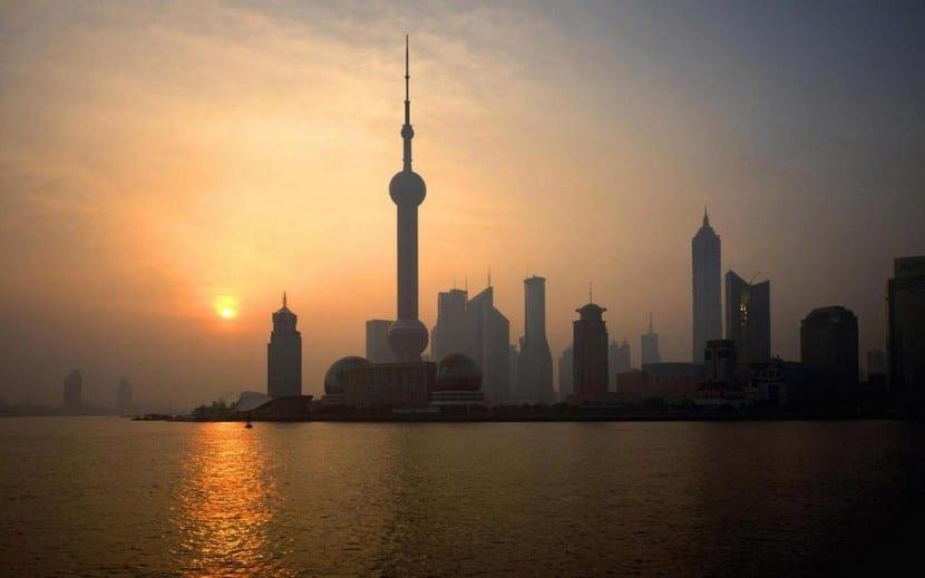 China como origen de las caídas del lunes negro