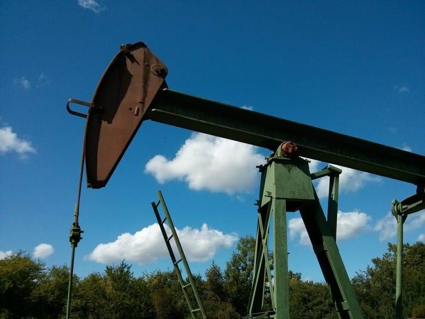 Los inversores tienen muchas opciones para operar con el petróleo