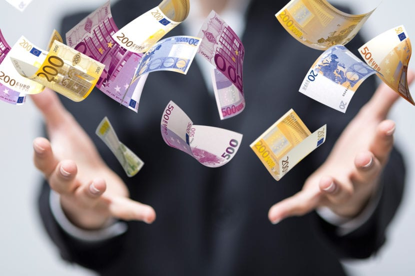 El salario base de un trabajador, es el conjunto de cantidades económicas que se les da a un empleado. Estas pueden ser dinerarias o no dinerarias.