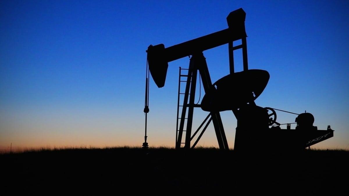 consumo de petroleo de países por día en miles de barriles