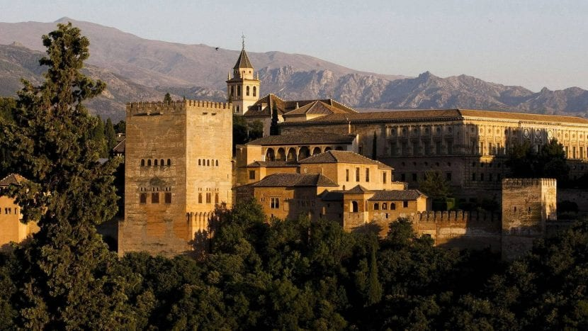 Juan Molas, presidente de la Confederación Española de Hoteles y Alojamientos Turísticos (CEHAT), ha dicho que España está terminando un año con resultados positivos en el sector