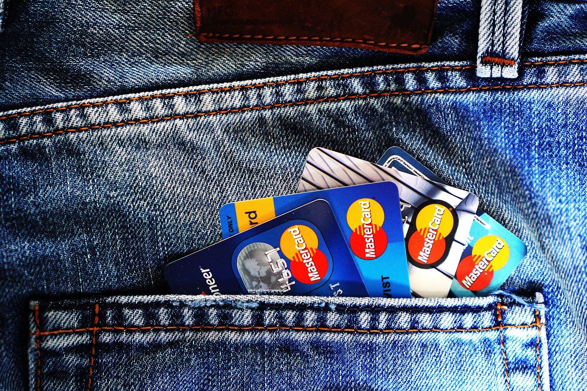 Las diferencias entre tarjeta de crédito y tarjeta de débito