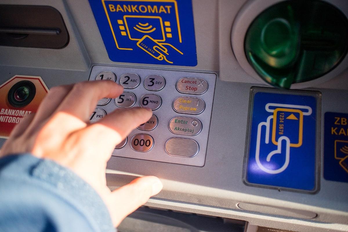 Qué hace una entidad bancaria