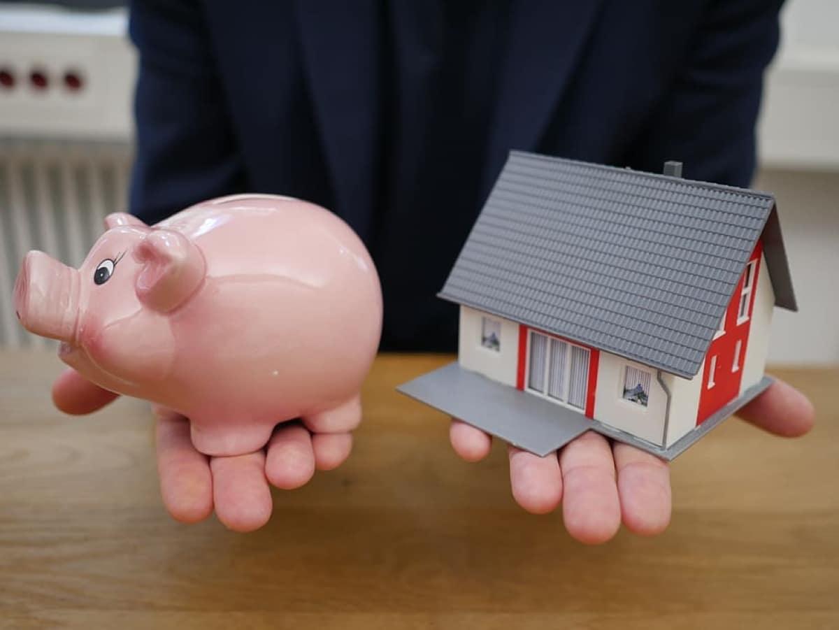 Las hipotecas variables suelen ser más baratas que las hipotecas fijas al momento de firmarse