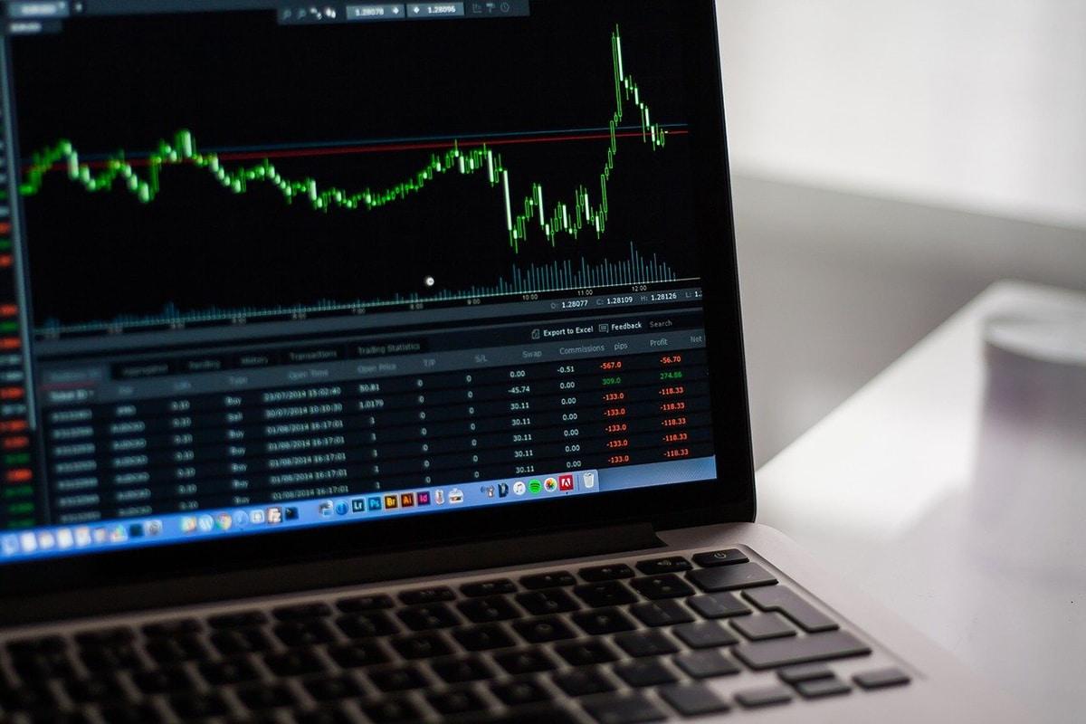 Debemos tener en cuenta el riesgo, el rendimiento y el plazo a la hora de hacer inversiones