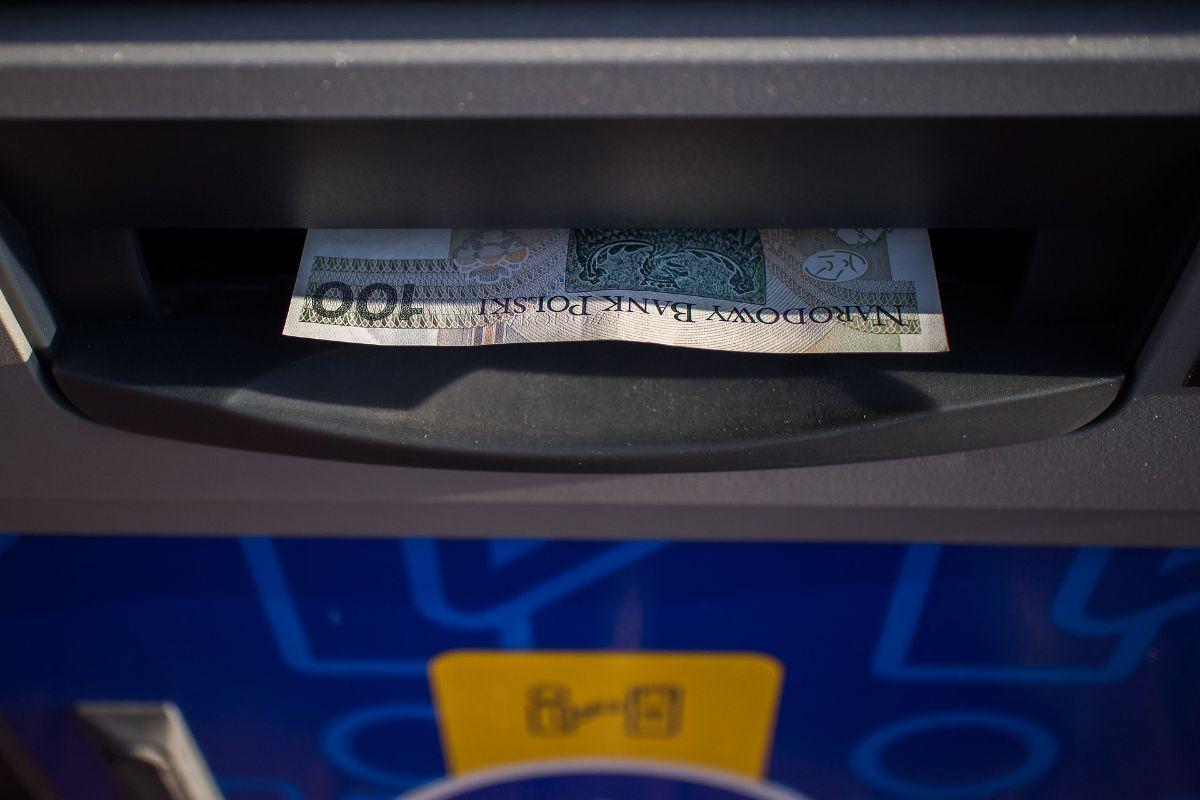 Cómo ingresar dinero en un cajero