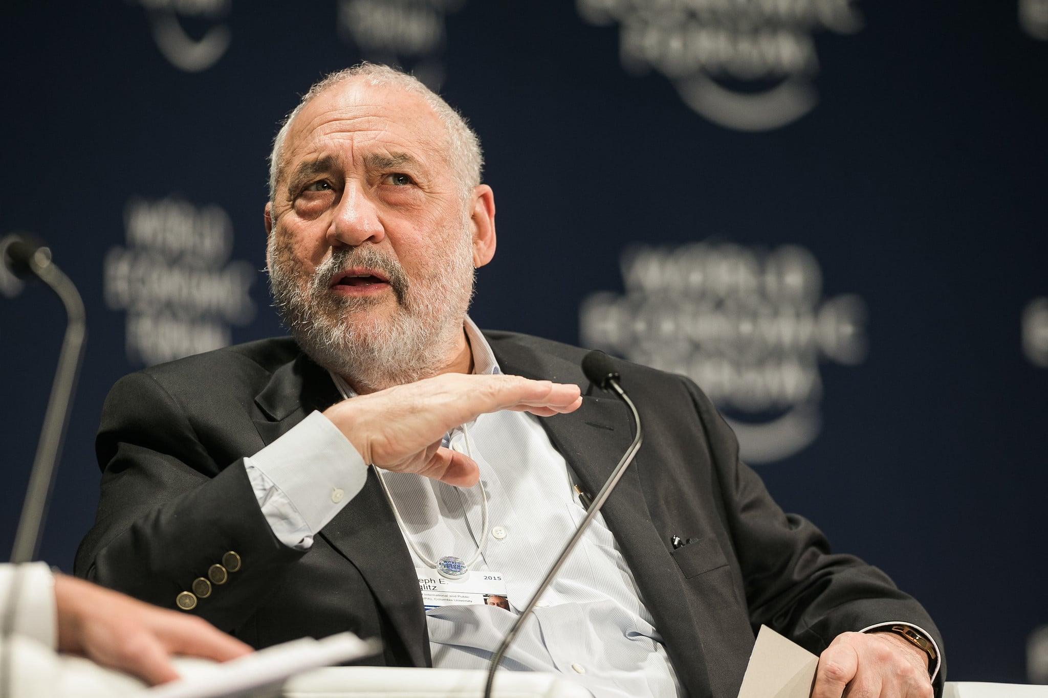 Joseph Stiglitz es un economista famoso