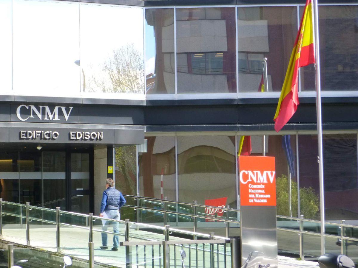 Quién forma la CNMV