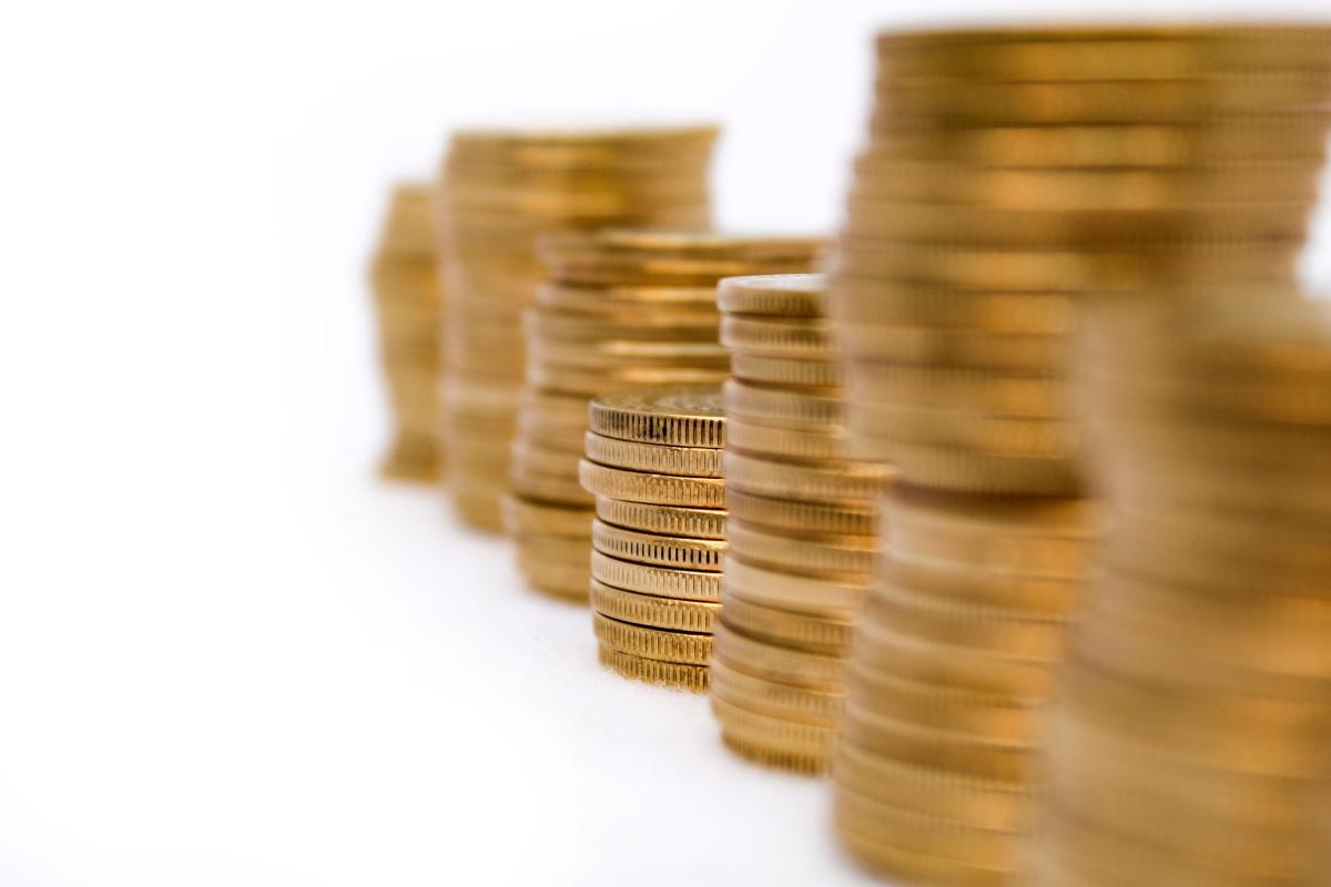 El poder adquisitivo es la relación entre la capacidad de compra y el dinero de un consumidor